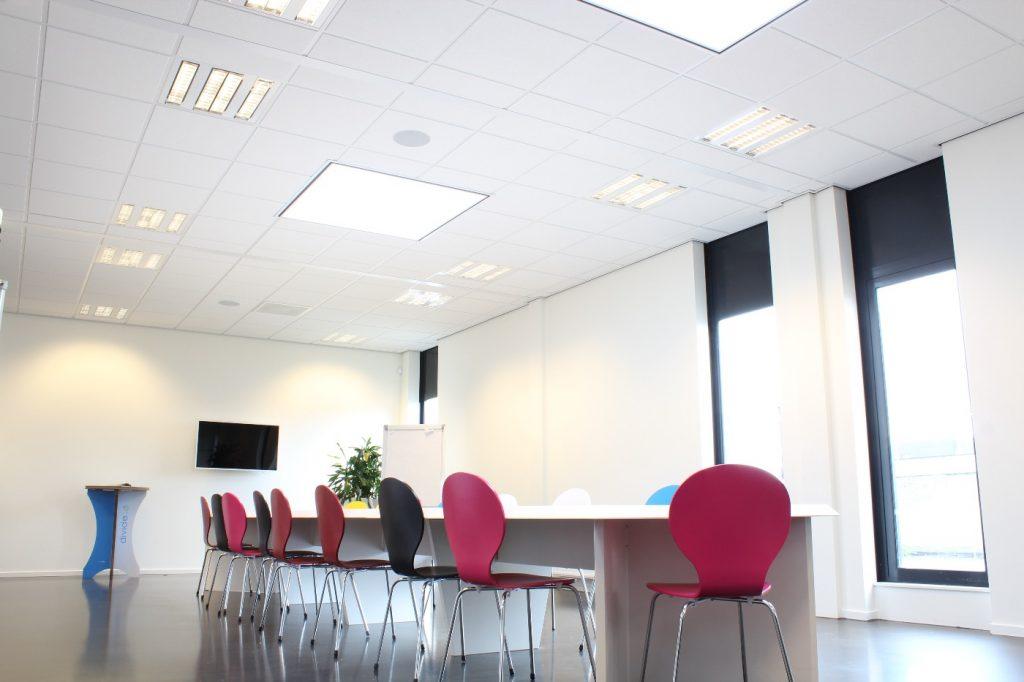 Kosten systeemplafond of plafondplaat