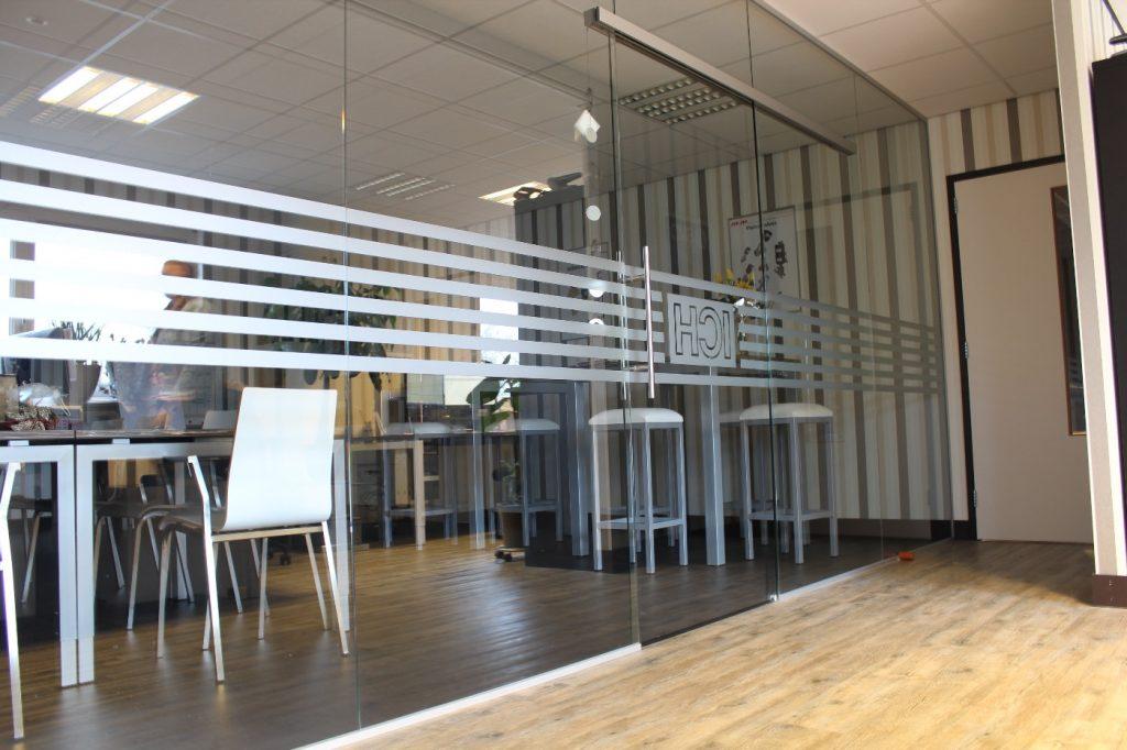 Glazen wanden Hoogeveen - Systeemplafonds.nl