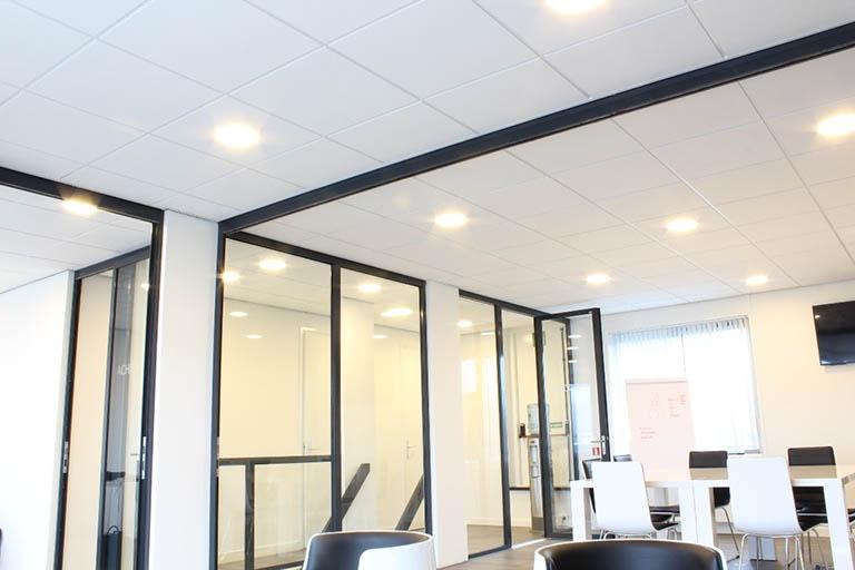 systeemplafond kantoren-led-verlichting